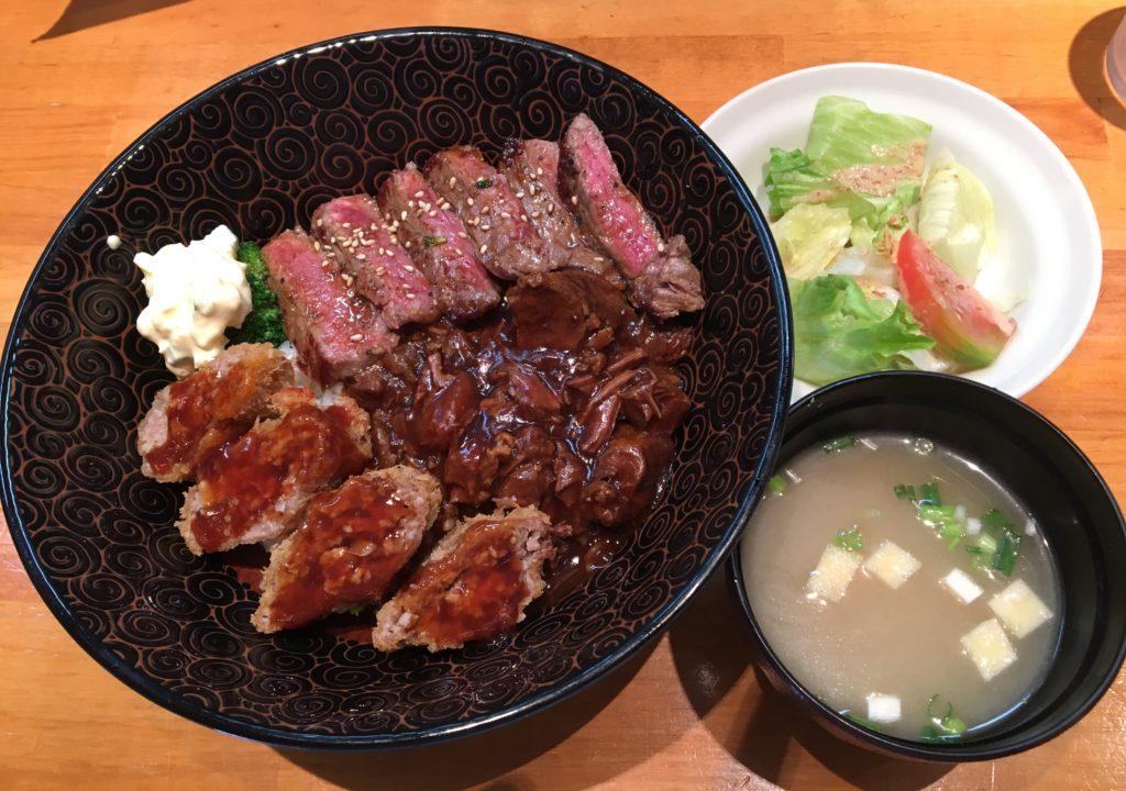 東小金井駅徒歩5分×「キッチン ブラウン」安くてうまい学生街の洋食屋さん『贅沢丼』
